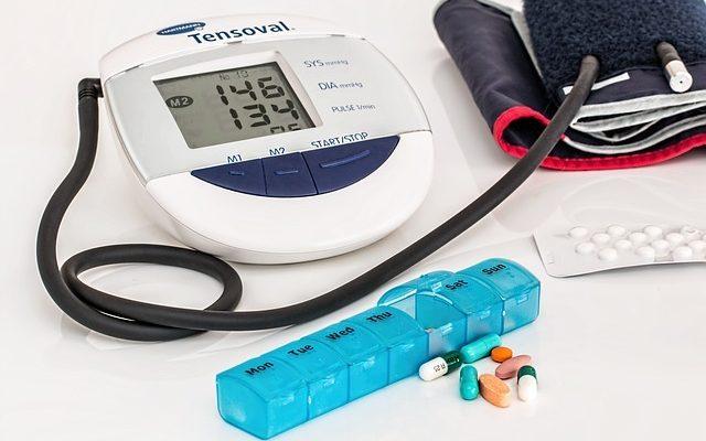 Evita y controla la hipertensión arterial, come bien y has ejercicio